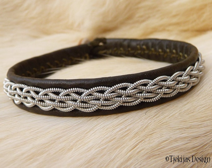 """Viking Sami Bracelet DAIN size 16,5 cm / 6.5"""" - 20% off OUTLET ready to ship - Olive Reindeer Leather with Tin Thread Embroidery"""