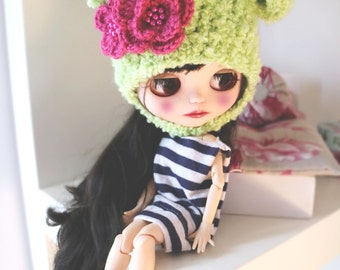 Blythe bear hat. Ear hat for newborn prop. ooak Blythe ears hat. Blythe accessories. Blythe doll hat.  green bear hat.