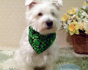 Shamrocks, Pitchers and Pints St Patricks Day Dog Bandana, Collar Slipcover Dog Bandana, Medium, Green Beer