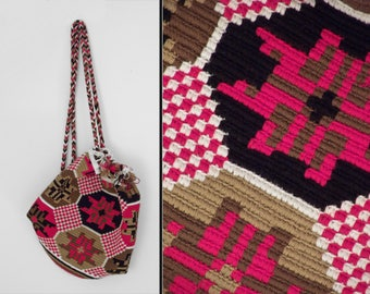 Chunky KNIT Backpack 1970s Ethnic Nordic Sumerian Look Red Brown Black Hippie Satchel