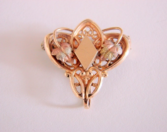 1895-1905 Simmons Three Colors Gold Watch Pin Brooch Chatelaine Green Gold Rose Gold Yellow Gold