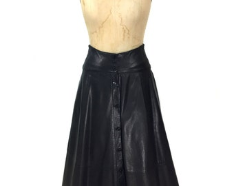 vintage 1980's black leather midi skirt / button front / fall autumn winter / mid length skirt / women's vintage skirt / size medium