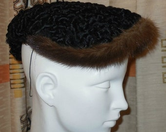 Vintage Fur Cocktail Hat 1940s 50s Persian Lamb Mink Fur Small Hat Pointed End Joan Crawford Pinup Film Noir Honey Mink M