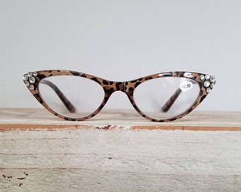 Cat Eye Reading Glasses with genuine Swarovski crystal tip points  +2.50- Retro Style - Vintage look