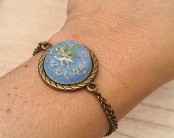Blue Flower Bracelet, Pressed flowers, unique jewelry, friendship bracelet, Gifts for girlfriend, real Flower jewelry, blue Flower Bracelet