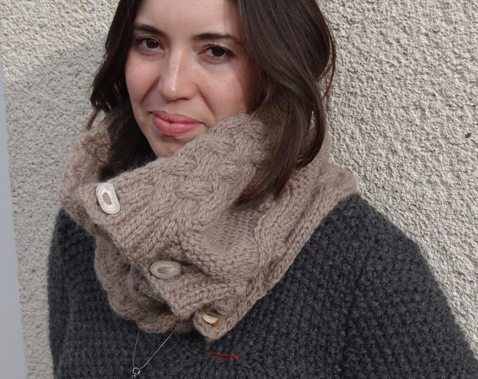 Women Celtic cowl  - Cable knit cowl - handknit cowl - chunky cowl - warm accessory - winter cowl -Wool & Alpaca
