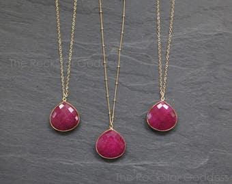 Ruby Necklace // Ruby Jewelry // July Birthstone // Ruby Pendant // Gold Ruby Necklace // Ruby Bezel // Gold Ruby Necklace // Ruby