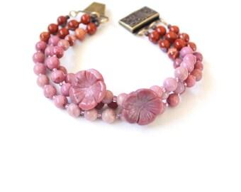 Floral beaded bracelet, pink, red, jasper, natural stones, ombre, bronze slide clasp