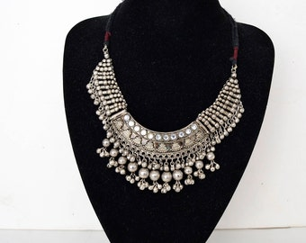 Ethnic silvery necklace