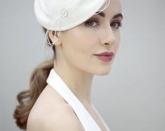 Wedding Perch Hat, Felt Bridal Fascinator, Off White Romantic Classic - Delfina