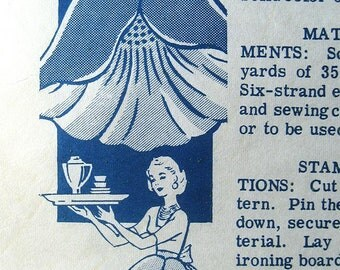 Vintage 50s Half Tea Apron, Poppy Flower . Mail Order Sewing Pattern 7086