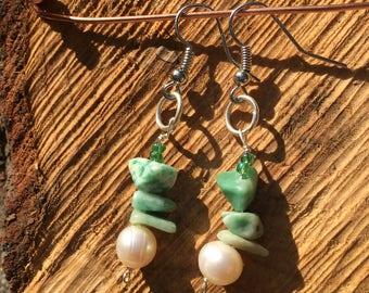 Stone & Pearl Dangle Earring