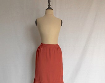 1970s coral ruffle pencil skirt