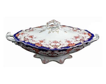 Covered Oval Tureen in the Kings Border pattern by Upper Hanley Pottery, England
