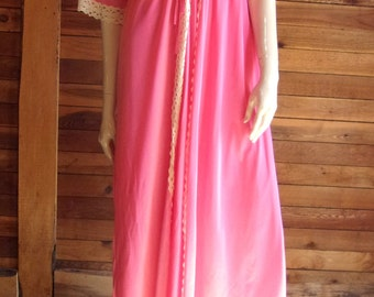 Vintage Lingerie 1970's DURELLE Pink Size Medium Nightgown and Robe Set