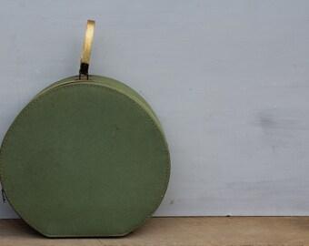 Hat Box / Mint Serval Round Train Case / Round Luggage Box / Train Hat Box / Green Train Case / Hat Box / Vintage Prop / Vintage Wedding