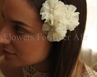 Set of 3 Ivory Fabric Flower Hair Pins, Bridal Hair Flowers, Elegant Wedding Hair, pearl and bling diamantes