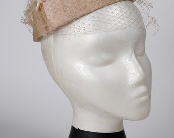 1950s Vintage Pastel Pink Pillbox with Flowers & Veil