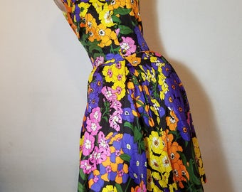 FREE  SHIPPING   1960 Abstract Full Skirt Floral Dress
