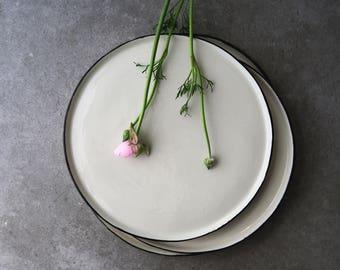 White ceramic plate,dinner plate,porcelain dinnerware,ceramic dinnerware,stoneware plate,pottery dish,ceramic dish,rustic decor,modern plate