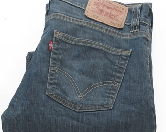 Vintage Levi's 506 Blue Standard Fit Jeans 32/31 - www.brickvintage.com
