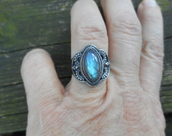 Labradorite ring, labradorite rings,size 8 ring,labradorite jewelry,spectolite ring, oxidized silver ring, blue labradorite ring ring,