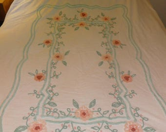 Sale!  Vintage Chenille Full Size Ret Rac Bedspread with Aqua Turquoise Border
