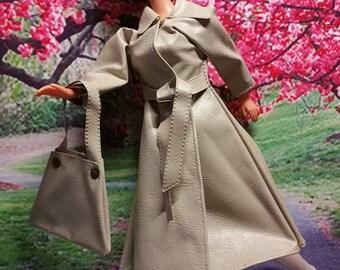 Clone Barbie Raincoat, Hat & Bag Tan Vinyl 1970's