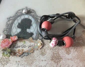 Bracelet Alaizie.  Leather.   Tx included