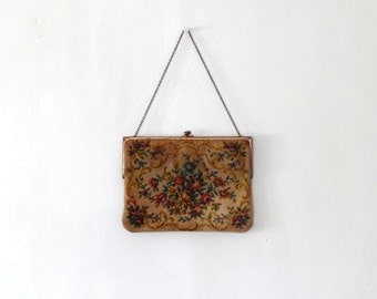 Floral tapestry bag / beige / pink / blue / purple / yellow / vintage / 1950s / embroidered / clasp bag / chain / gold tone / small bag