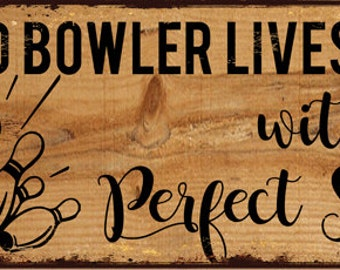 Old Bowler Lives Here With His Perfect Score Metal Sign, Game Room, Mancave, Den  HB7768