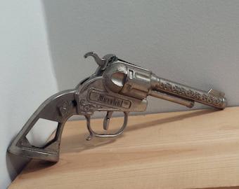 Marshal Cap Gun, Halco Leslie Henry die cast vintage metal Toy Gun