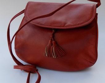 Sale! BOTTEGA VENETA Vinatage Tan Shoulder / Crossbody / Clutch  Bag with tassels. Italian designer purse.