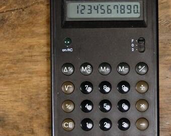 Vintage BRAUN ETS 77 control solar calculator 4777 (Design: Dieter Rams & Dietrich Lubs 1987) - black - Bauhaus minimalism
