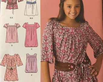 Simplicity 2689 - Yoked Dress or Tunic with Square or Round Neck and Gathered Hem Option - Size 8 10 12 14 16