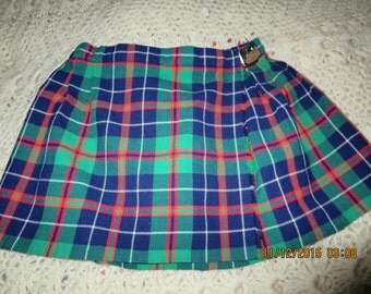 "Vintage  St. Michael's Girl's Size 5 Tartan Plaid Kilt Skirt, Made in U.K., Fits Height 42 1/2"" (108 cm) Waist25"" (63.5cm), Buckle Fastener"