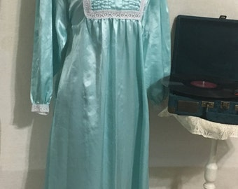 Vintage Night Gown