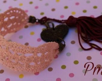 Brazalete-pulsera made of crochet in tone pink cake. Bijoux-Jewelry Accessories crochet