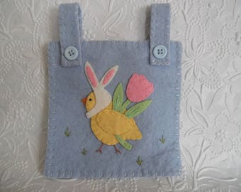 Easter Wall Hanging Bunny Decoration Ornament Penny Rug Felt Felted Wool
