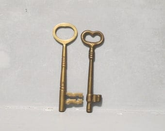 Vintage 2 Large Brass Skeleton Keys / Primitive Hardware Rustic Home Industrial Office Decor Recycle Upcycle Repurpose Altered Art Steampunk