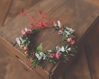 Holly Berry Floral Crown-Flower Crown-ChristmasFlower Crown-Christmas Prop-Photo Prop-M2M Well Dressed Wolf-M2M WDW-Halo-Christmas Halo-Xmas