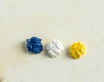Vintage Rose Plastic Buttons Lot of 3 Yellow Blue White Novelty Sewing Supply Notion