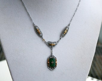 10kt White Gold Art Deco  Chrysoprase and Diamond Filigree Necklace