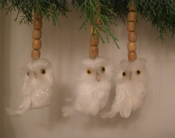 Set of 3. Whimsical Woodland Snow White Glitter Fluffy Feather Owls. Wooden Beads. Perfect Gift for the Nature Lover.