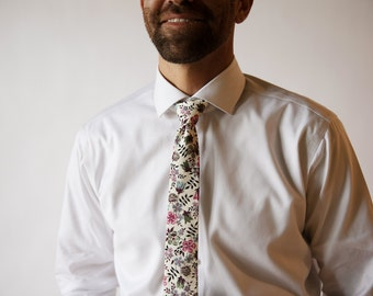 Lavender Liberty of London Print tie, purple skinny tie, purple liberty tie, lavender cotton tie, custom necktie, lavender necktie, paisley