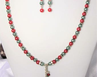 Rose and soft green glass pearl Necklace and Earring Set