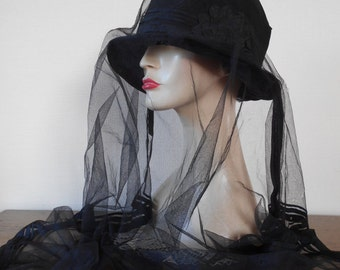 Antique Goth Hat Mourning Victorian Edwardian Black Hat Silk Trim Veil Pleated Rosette Trim Silk Band Closhe Hat Goth Whitby Re-enactment