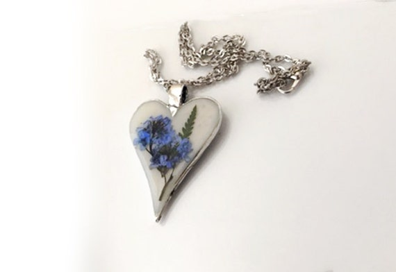 Outlander Scottish Forget-Me-Nots Heart Pendant Necklace - Jewelry - Silver - Gift Under 25 For Her - Scotland FT36