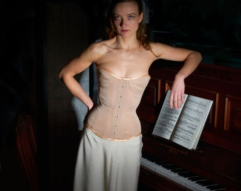 "Full bust corset ""Nude"" with gequilteten cups"
