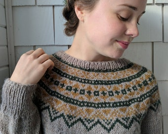 Fair Isle Sweater Hand Knit in Oatmeal with Pine and Gold / Women Size Small READY TO SHIP